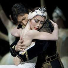 Swan-lake-birmingham-royal-ballet