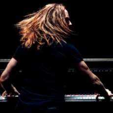 Tim-minchin-back-1536254808