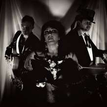 Dark-circus-plus-darren-smith-free-live-music-1505921951