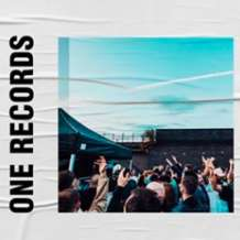 One-records-rooftop-session-1562963272