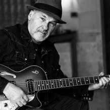 Paul-carrack-1371242370