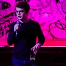 One-night-stand-up-1549824765