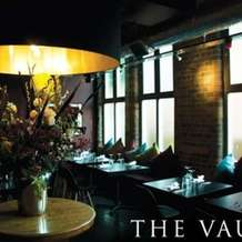 Speed-dating-the-vaults-ages-30-42-1382701854