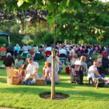 Jazz-in-the-garden-1517517088